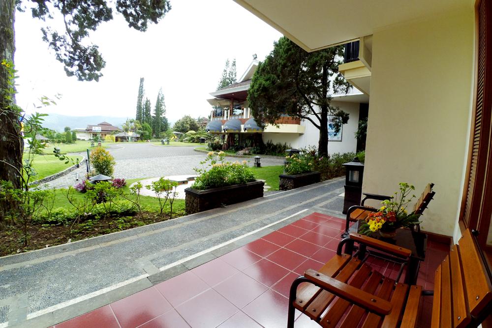 Deluxe Triple Purnama Hotel